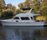 2007 Custom Diamond Yachts 48 Sedan