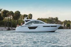 2020 Cruisers Yachts 54 Cantius