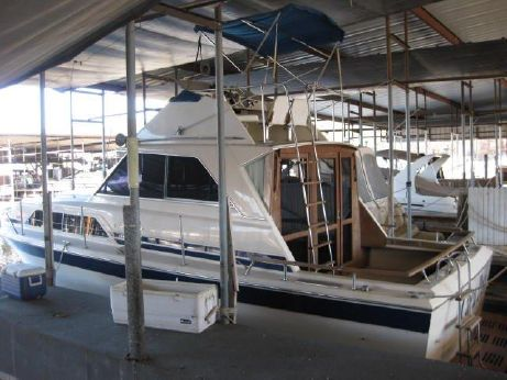 1980 Chris Craft 33 Commander