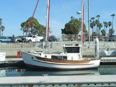 1983 Fisher Pilothouse