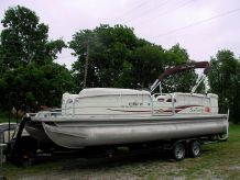 2008 Tracker Sun Tracker Party Barge 24
