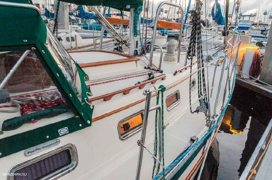Pacific Seacraft 31 Sailboat for sale in Long Beaech