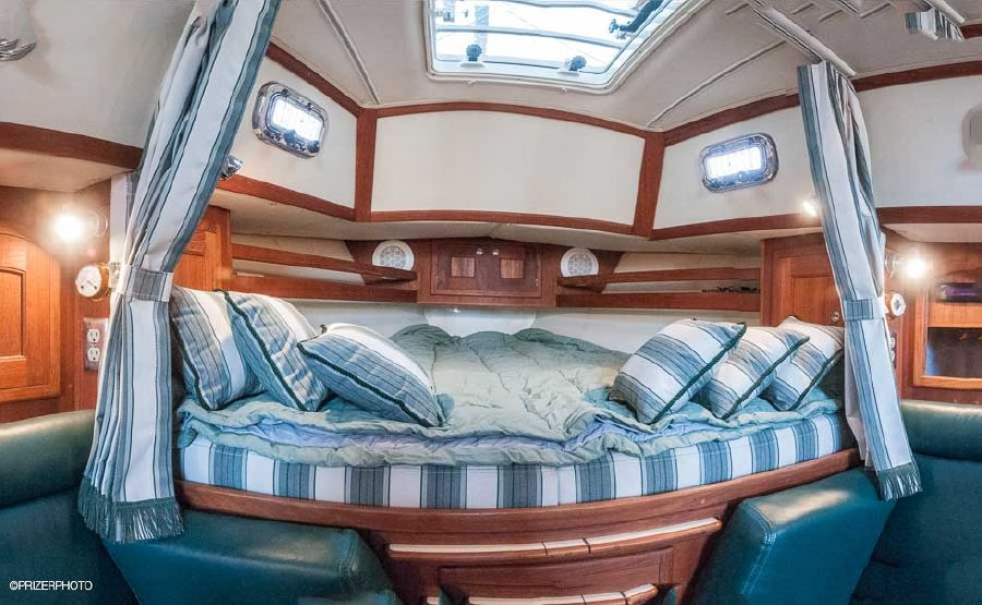 Pacific Seacraft 31 Bed