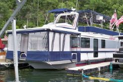 2000 Horizon Houseboat 16 x 70 Wide-Body