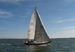 photo of  41' Hinckley H-41 Competition Sloop