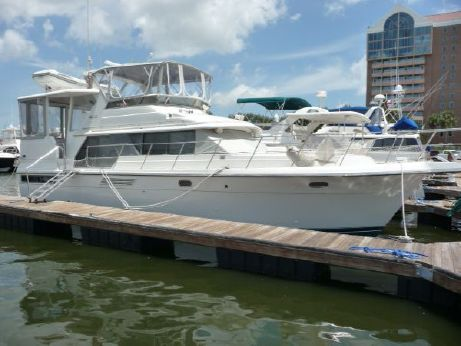 1995 Carver 440 motor yacht