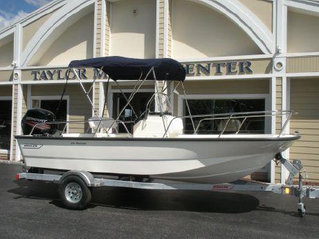 2018 Boston Whaler 170 Montauk