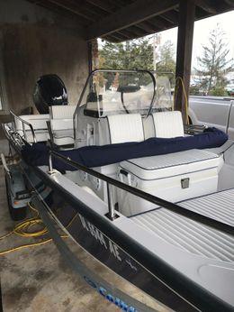 2000 Boston Whaler 170 Montauk