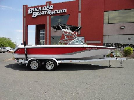 2004 Correct Craft Nautique Super Sport 210