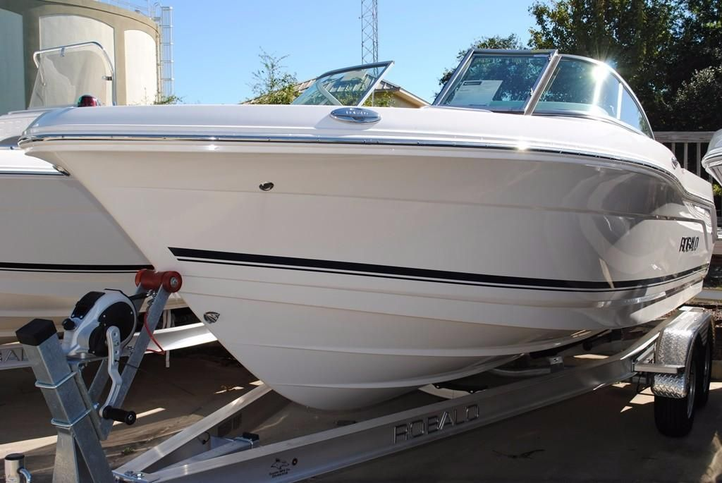 2018 robalo r207 dual console power boat for sale www for Robalo fish in english
