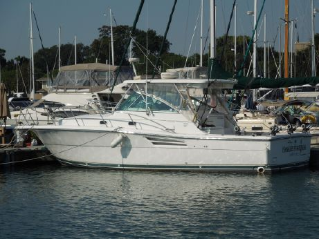 2001 Pursuit 3400 Express Fisherman