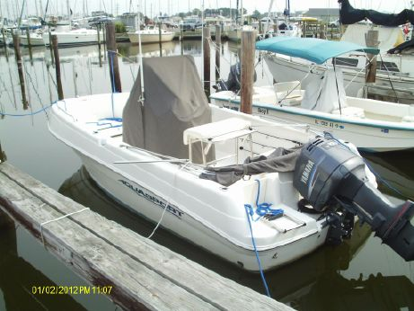 2005 Aquasport 210 Osprey Center Console