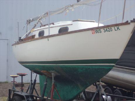 1981 Cape Dory 22