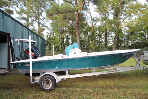 1997 Hewes Redfisher - 18'
