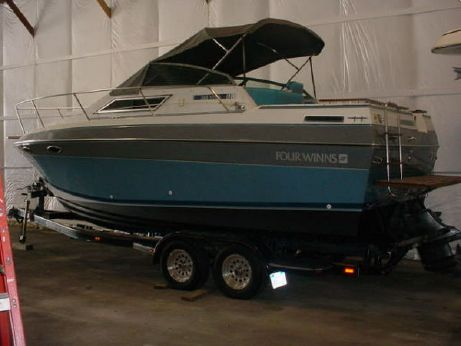 1989 Four Winns 245 Vista