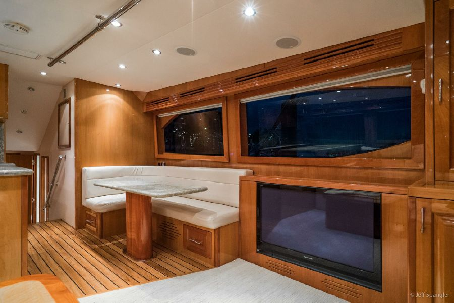 Hatteras 60 Convertible Salon