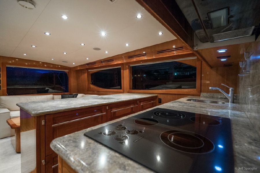 Hatteras 60 Convertible Galley Cooktop