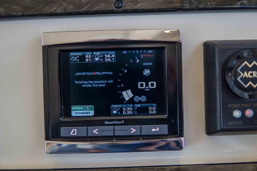 Sea Ray 470 Sundancer Engine Indicators