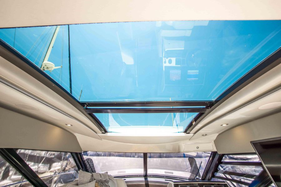 Sea Ray 470 Sundancer Sunroof