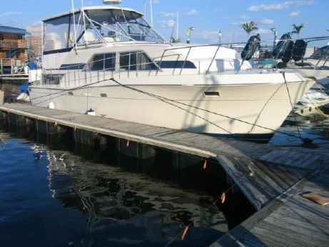 1986 Chris Craft Catalina 381