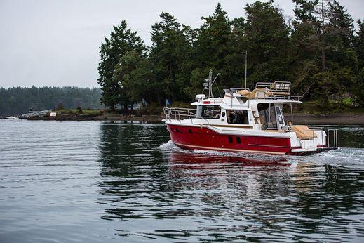 2018 Ranger Tugs R-29 Command Bridge Luxury Edition
