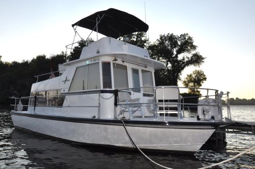 1970 Kingscraft 34 Coastal Cruiser