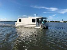 2014 Catamaran Cruisers 39