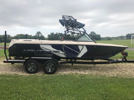2003 Correct Craft Super Air Nautique