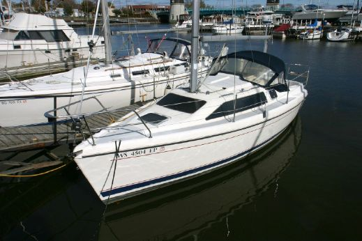 1996 Hunter Marine 280