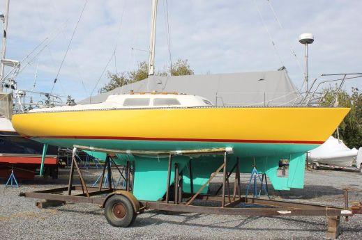 1977 Santa Cruz 27