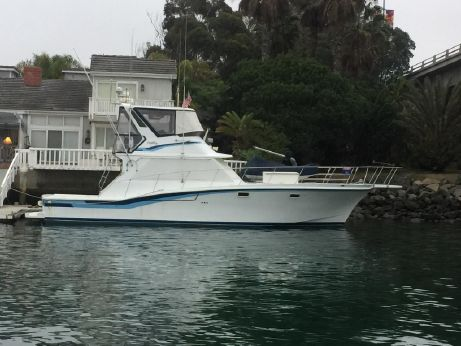 1983 Uniflite 48 Convertible Sportfish