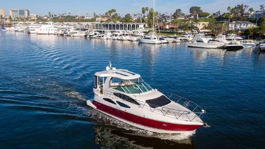 Cruisers Yachts 455 Express Motor Yacht for sale in Newport Beach