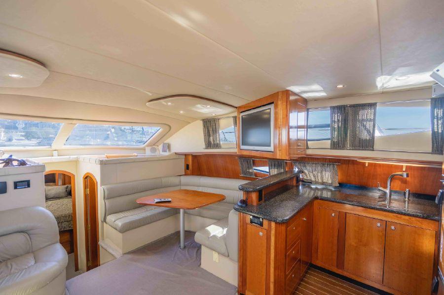 Cruisers Yachts 455 Express Interior