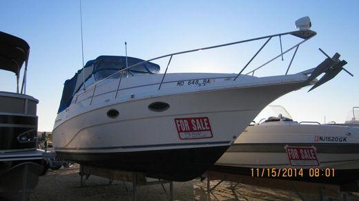 1995 Cruisers Yachts 2670 Rogue