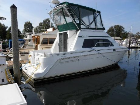 1994 Mainship 31 Sedan w 360 Hr and Genny