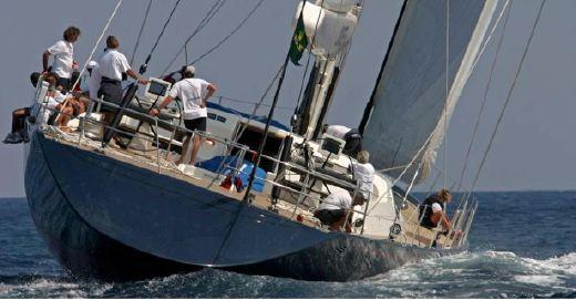 2001 Maxi Dolphin Sloop 118