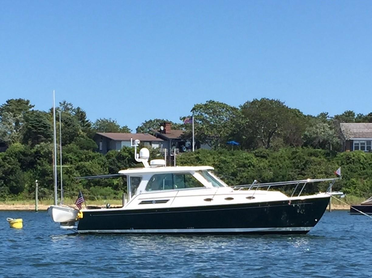 Yacht for Sale: 34' Back Cove HT Express 2014