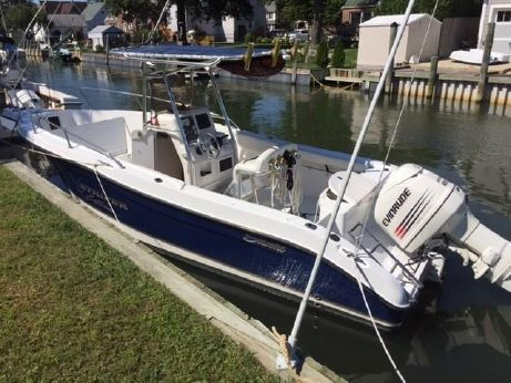 2004 Seaswirl Striper 2301 Center Console O/B