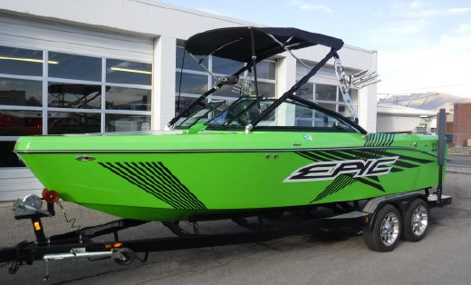 2013 Epic 23V Bowrider