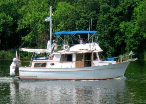 1983 Marine Trader 34 Double Cabin