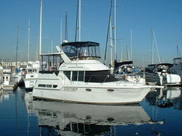 32 ft 1998 carver yachts 326