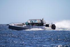 2018 Axopar 37 SC Chase Boat
