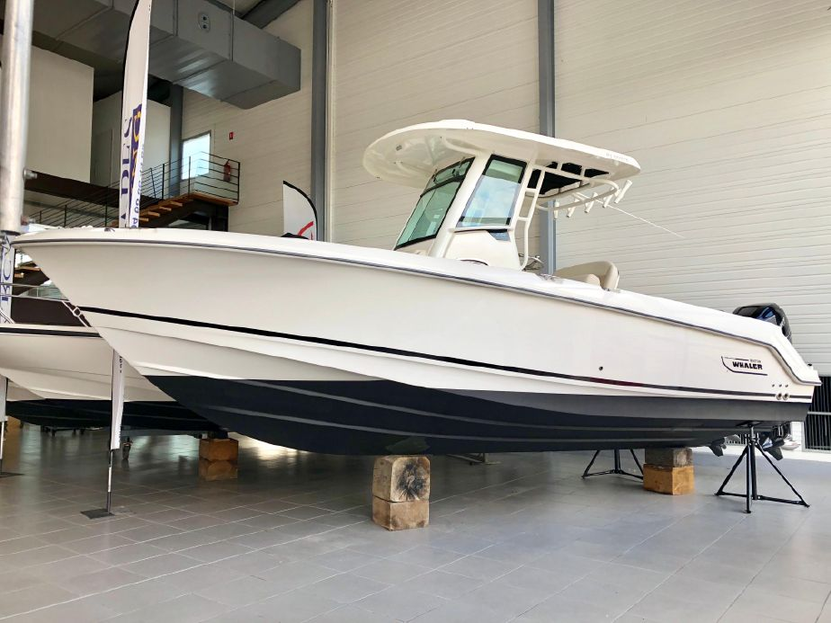 2017 Boston Whaler 250 Outrage Power Boat For Sale - www yachtworld com