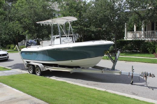 2010 Sea Hunt 211 Ultra