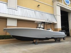 photo of  33' Mag Bay Yachts 33 Center Console