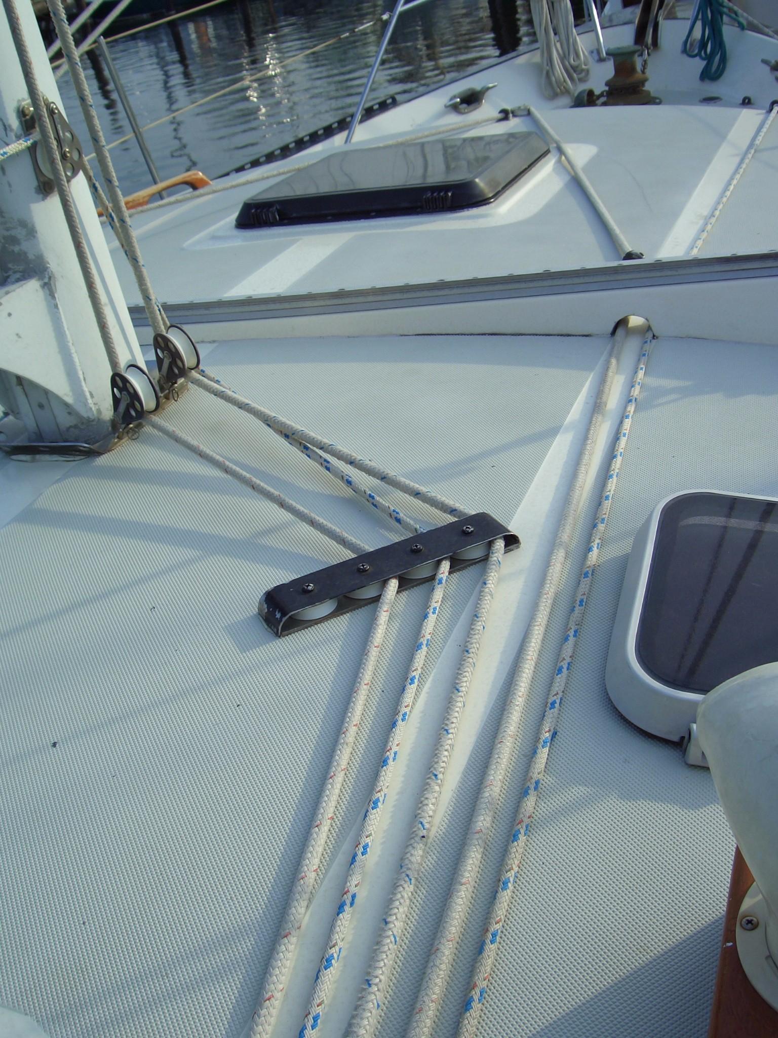 39' Lancer Yachts Motorsailor Pilothouse+Photo 9