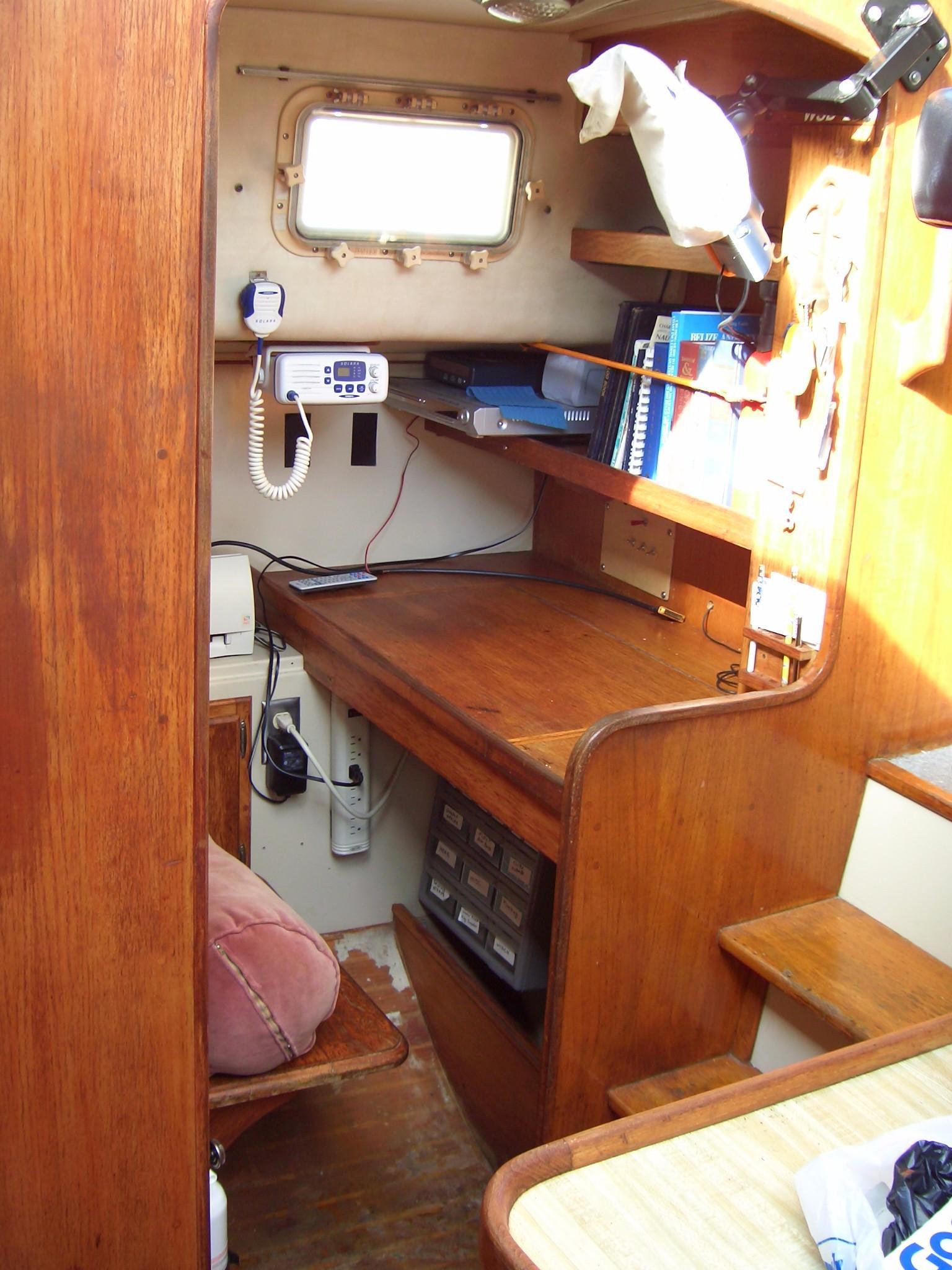 39' Lancer Yachts Motorsailor Pilothouse+