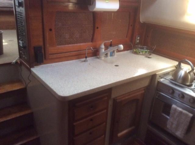 39' Lancer Yachts Motorsailor Pilothouse+Photo 15