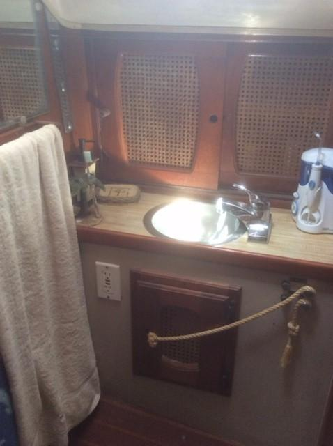 39' Lancer Yachts Motorsailor Pilothouse+Photo 24