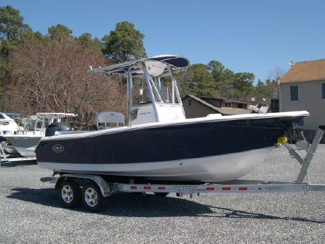 2016 Sea Hunt 211 Ultra